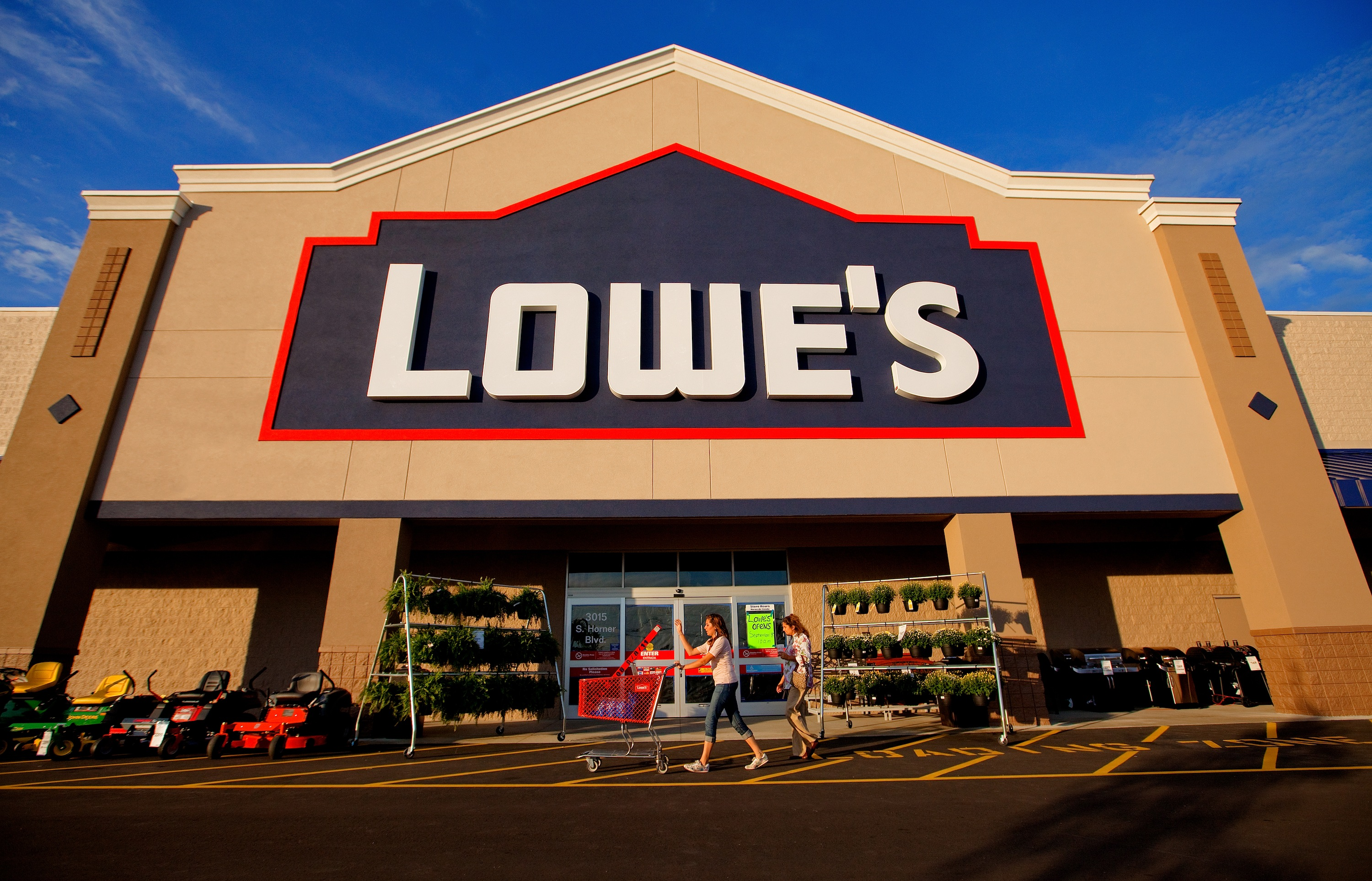 how lowe s tops customer engagement ris news