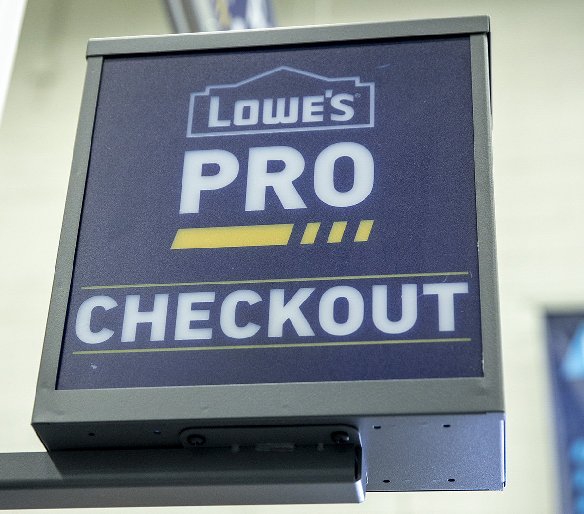A dedicated checkout area of Lowe's Pros members